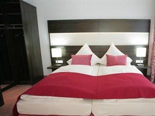 Hotel Demas City
