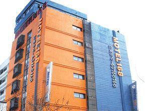 Motel 168 (Shanghai Chongming Bayi Road)