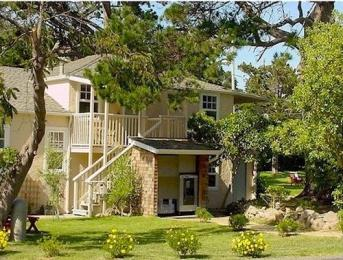 Bide-A-Wee-Inn & Cottages