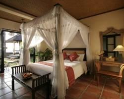 누그라하 로비나 베이 리조트 호텔