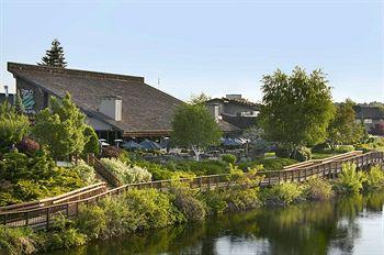 Red Lion River Inn