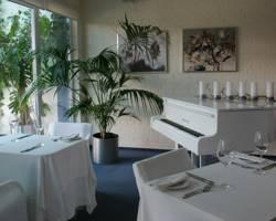 Karolina Hotel & Conference Centre