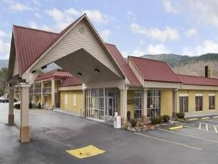 Holiday Inn Cove Lake