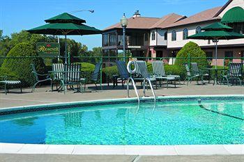 Roosevelt Inn & Suites