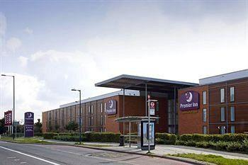 Premier Inn Heathrow Airport - Bath Road