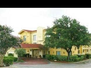 La Quinta Inn San Antonio I-35 N at Toepperwein