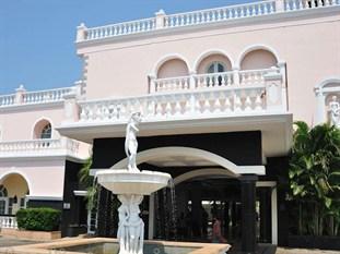 Club Mahindra Emerald Palms