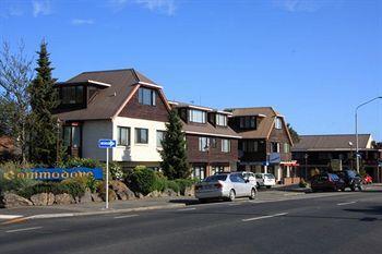 Commodore Motel