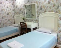 HI Hostel - Myra's Pensionne