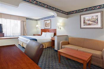Holiday Inn Express Napoleon