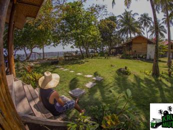 Krui Mutun Walur Surf Camp Guest House
