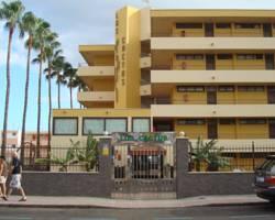 Los Cactus Apartments