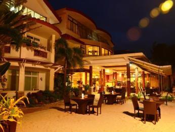 Willy's Beach Club Hotel