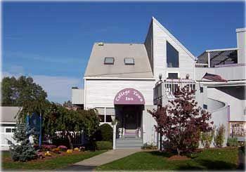 College Town Inn