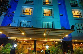 Photo of Park Central comfort-e-suites Pune