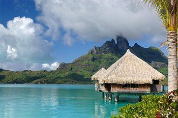منتجع The St. Regis Bora Bora Resort