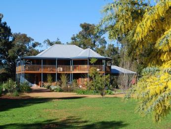Riverwood Retreat Bed & Breakfast