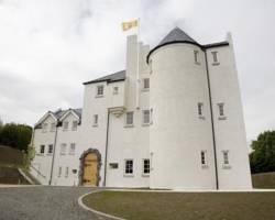 Glenskirlie House and Castle