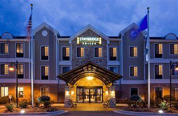 Photo of Staybridge Suites Milwaukee West Oconomowoc