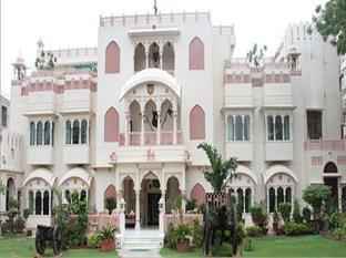Bharat Mahal Palace