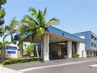 Travelodge Inn & Suites Anaheim
