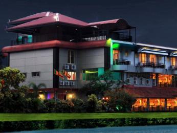Opulent River Face Hotel