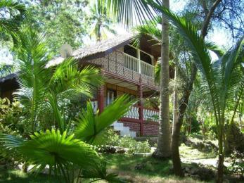 Cocowhite Beach Resort