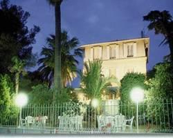 Les Amandiers Hotel