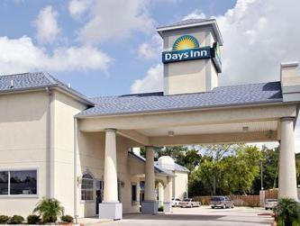 Days Inn & Suites Houston Channelview