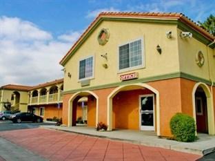 Crystal Inn Suites & Spas - LAX