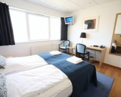 62 N Airport Hotel