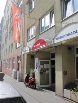 Red Carpet Hostel Vienna