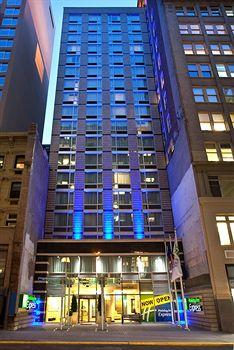 Holiday Inn Express NYC-Herald Square 36th St. Photo