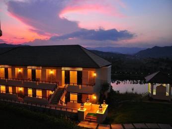Thanatthicha Buri Lake Resort & Spa