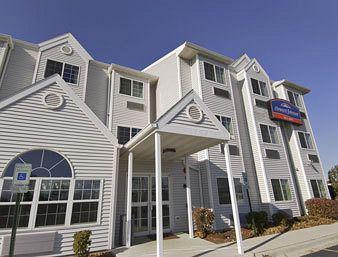 Howard Johnson Inn and Suites Elk Grove Village O'Hare