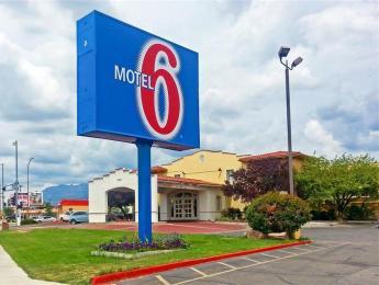 Motel 6 Albuquerque - I-40 - San Mateo