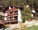 Hotel Rhaetia