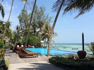 Sunset Cove Resort