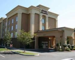 ‪Hampton Inn & Suites Greenfield‬
