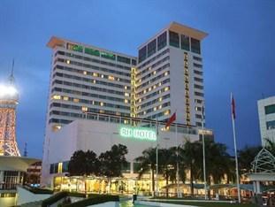 RH Hotel