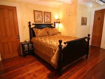 Isabelle Inn Bed & Breakfast