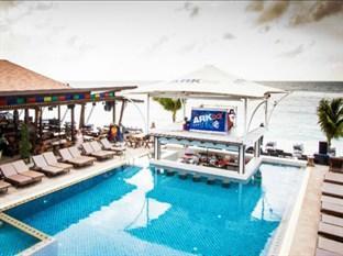 Ark Bar Beach Resort