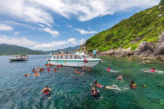 高速船で訪れるチャム島生物圏保護区日帰りツアー