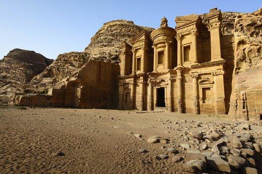 エルサレムから向かう、2日間のペトラとヨルダンのツアー