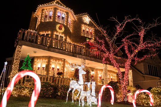 Half Of Christmas Lights Dont Work.Half Day Brooklyn Dyker Heights Christmas Lights Tour From Manhattan