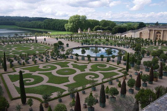 Palace And Gardens Of Versailles 4