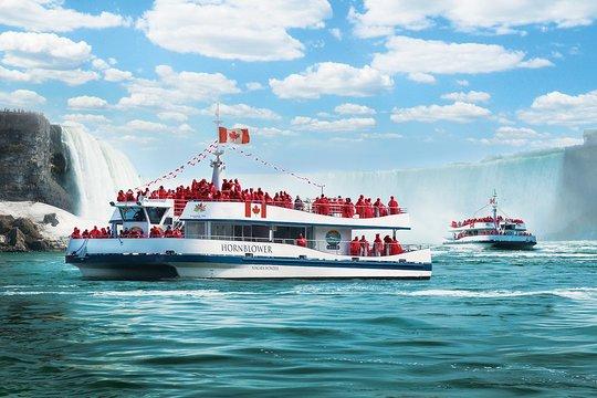 Niagara Falls Canada Voyage To The Falls Boat Tour In Canada