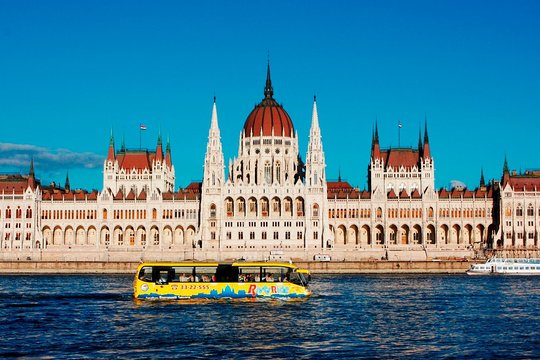 Budapest Sightseeing Tour by Land and Water