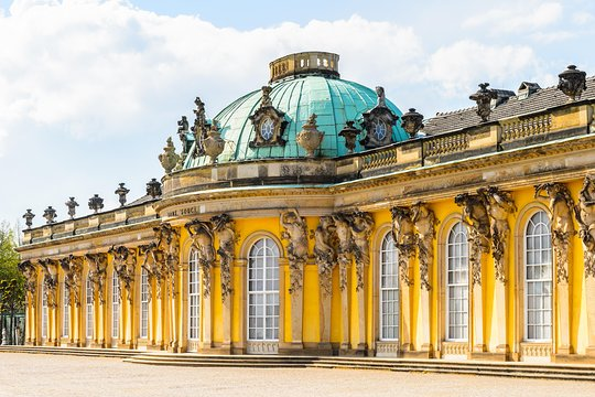 how to get to sanssouci palace from berlin