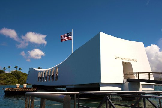 Pearl Harbor Tours >> Half Day Tour Of Pearl Harbor From Waikiki